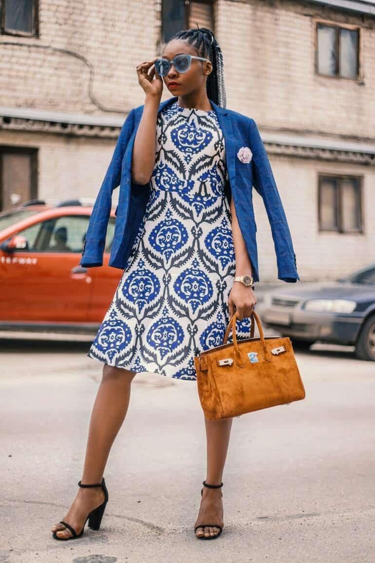 colores de moda 2020 azul clásico